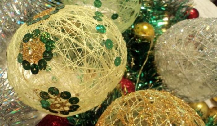 Длинные нити из цветного металла для украшения новогодней елки